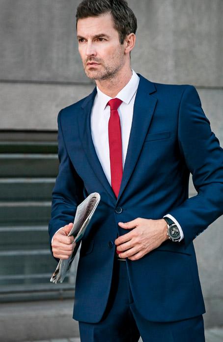 Jakou červenou kravatu vybrat  Ideální outfit na obchodní jednání 01c1a49ba6