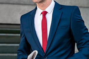 Buďte úspěšnému obchodnímu jednání o krok blíže díky červené kravatě 384a67a6bc