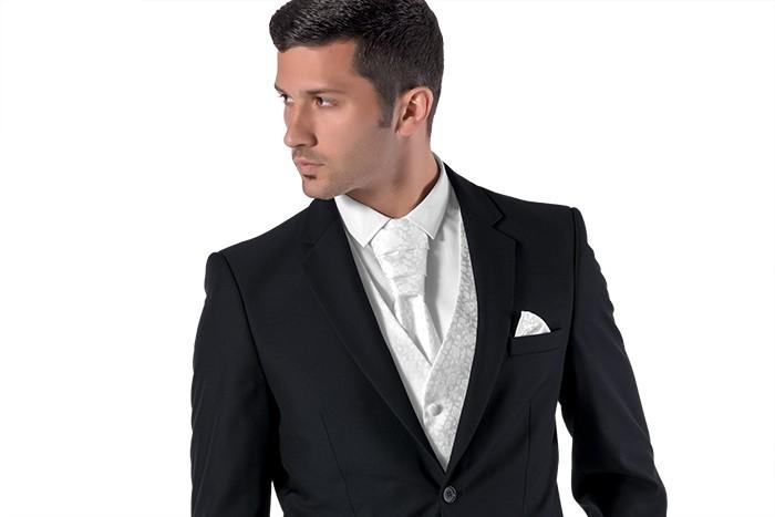 Jak správně vybrat svatební oblek b94830f68e